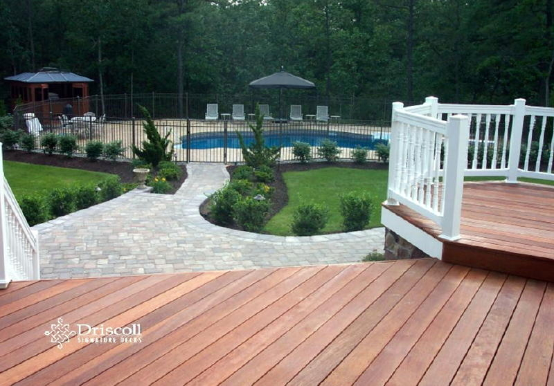 Paverstone-Walkways-Patios